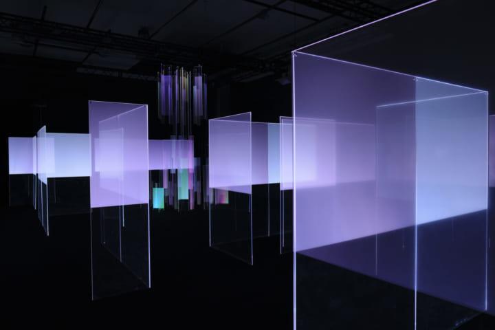 日東電工、ミラノデザインウィークで新技術による 展示「Search for light 」を公開