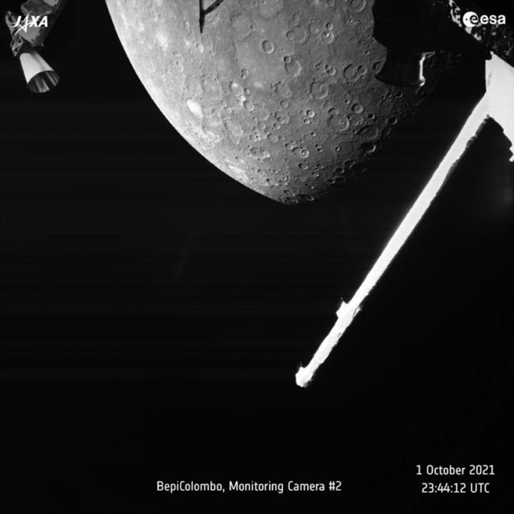 欧州宇宙機関とJAXAと共同探査プロジェクト 探査機が水星の画像を撮影